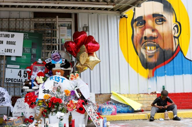 Alton Sterling shooting: 'No charges' for police over black man's killing