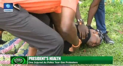 Charly Boy Slumps After Police Fired Tear Gas at Nigerians Protesting Buhari's Continued Stay Abroad -See Photos
